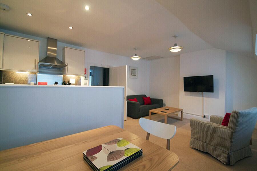 Gower Street Three Bedroom Apartment 6
