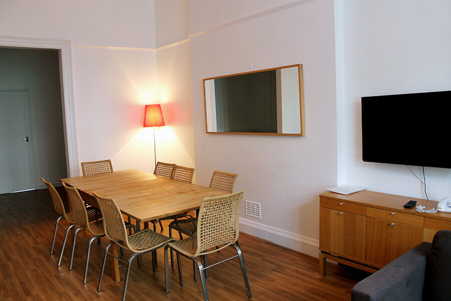 Bedford Place Two Bedroom Apartment 4