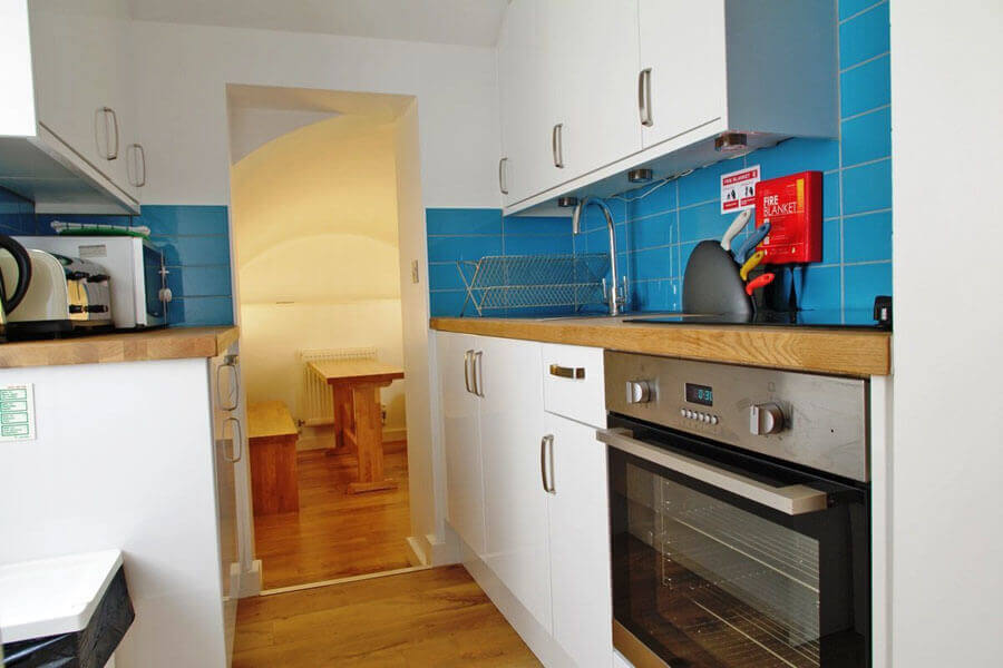Byng Place Small Two Bedroom Apartment 3
