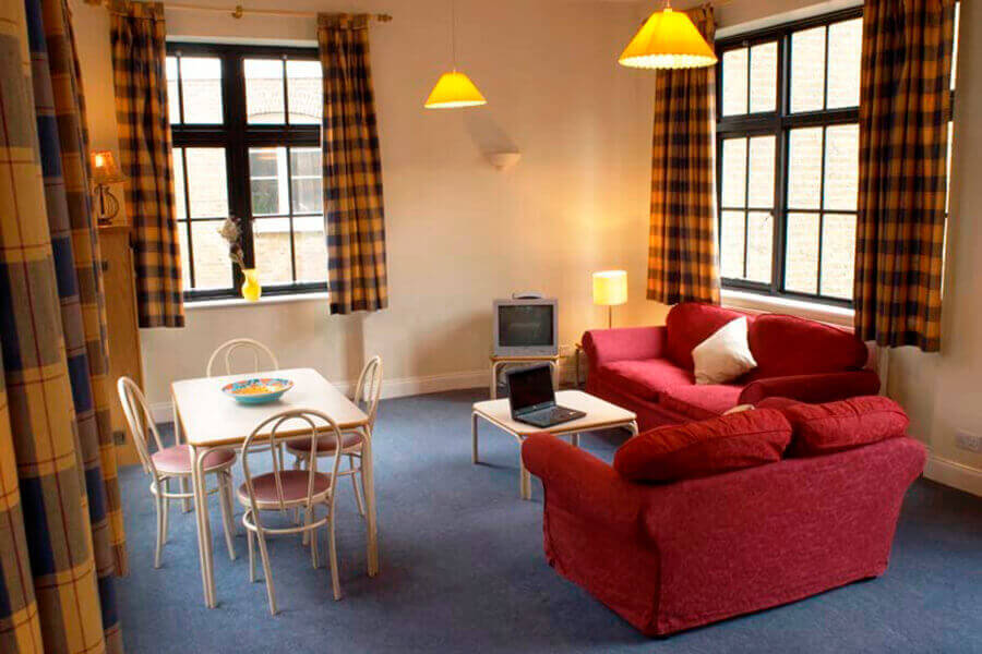 Crawford House Two Bedroom Apartment 7