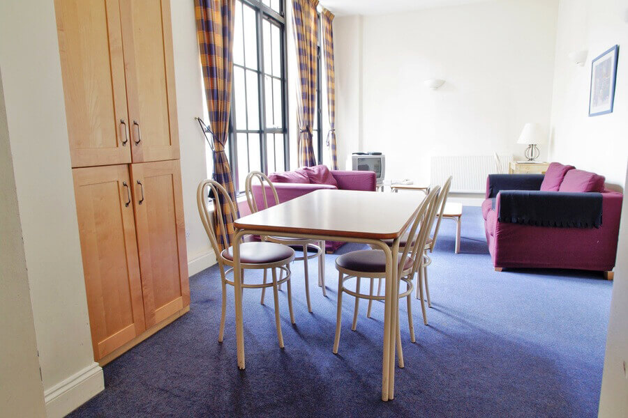 Crawford House Two Bedroom Apartment 3