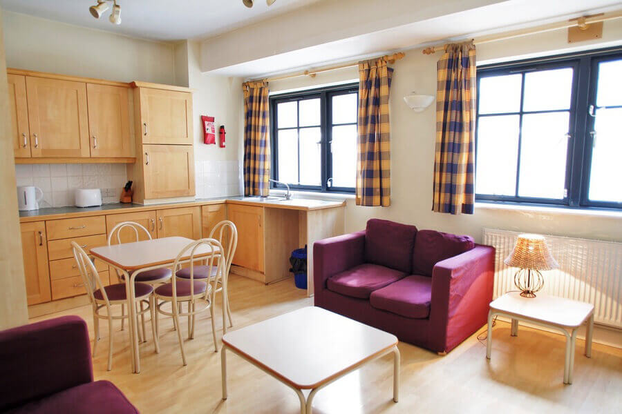 Crawford House Two Bedroom Apartment 4